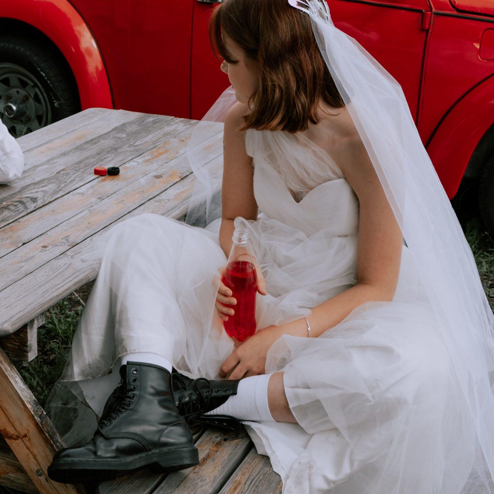 Pourquoi devriez-vous envisager de vous marier en petit comité