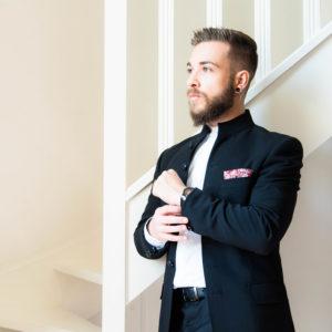 costume marié noir pochette rouge | des bulles et des étoiles wp paris