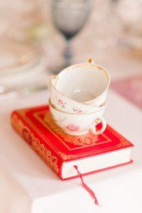 une tasse de thé pour discuter de votre mariage | des bulles et des étoiles wedding planner ile de france